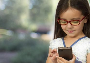 Why Parents Need Parental Control Software For Their Kid's Smartphone