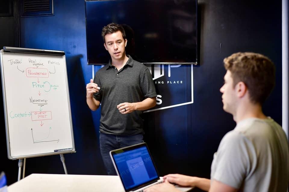 How To Become A Custom Software Developer